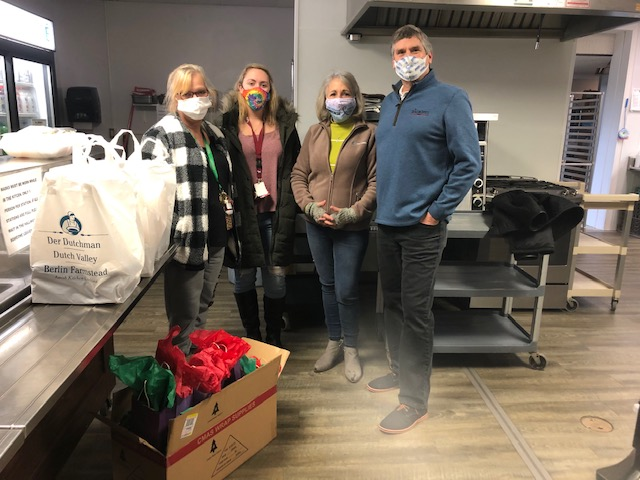 33 Forever and Heck Law Offices Provide Christmas Eve Dinner to Catalyst Life Services Clients